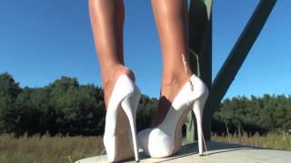 BEST SHOEPLAY IN VERY HIGH HEELS BY TAMIA