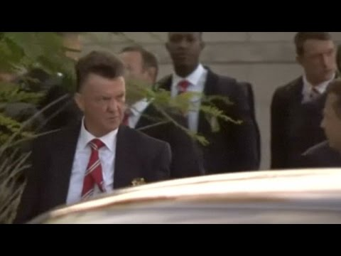 Louis van Gaal & The Rest Of The Manchester United Squad Touch Down In USA For Pre-season Tour