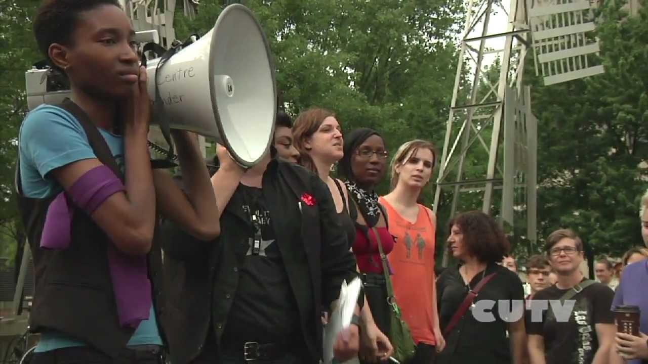 La premire marche des gouines  Montral - les lesbiennes dans la rue