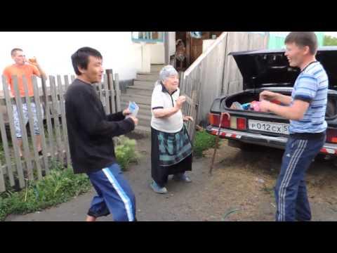 бабуля зажигает - Granny blows