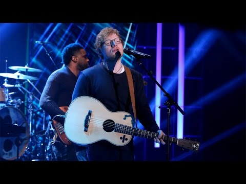 Ed Sheeran Performs 'Shape of You'! MP3