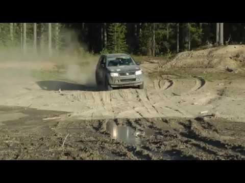 Гонка на песке. Suzuki Grand Vitara 3-doors