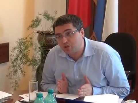 Усатый: Два решальщика в бельцкой мэрии дорешались (08.07.2015)