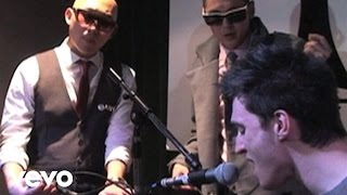 Клип Far East Movement - Rocketeer (live)