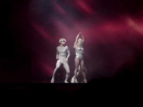 Lady Gaga - Alejandro (Live -.