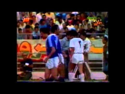 دیدار تیمهای فوتبال استقلال و شاهین در هفتهٔ پنجم مسابقات جام باشگاههای تهران در سال ۱۳۶۴