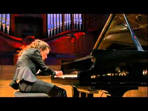 Chopin Competition 2010 - Yulianna Avdeeva - Sonata no2 in b flat minor - 1st movement