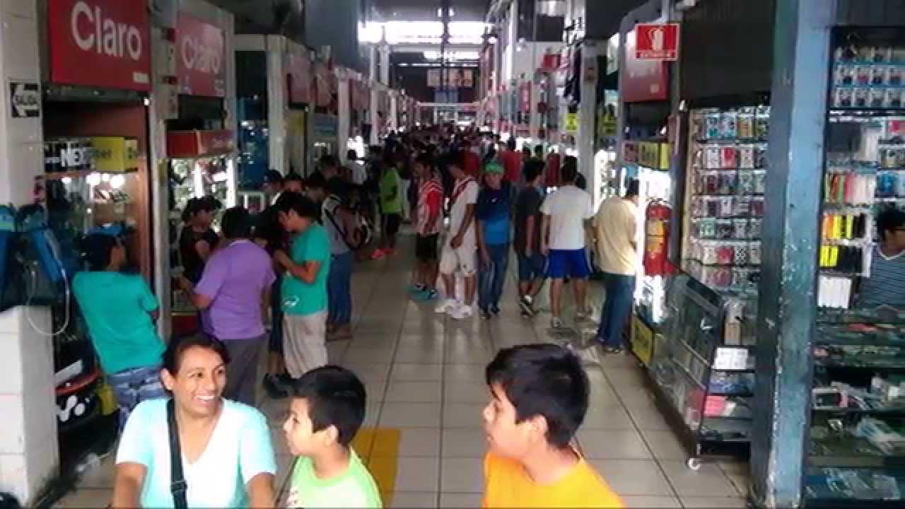Centro Comercial Mesa Redonda