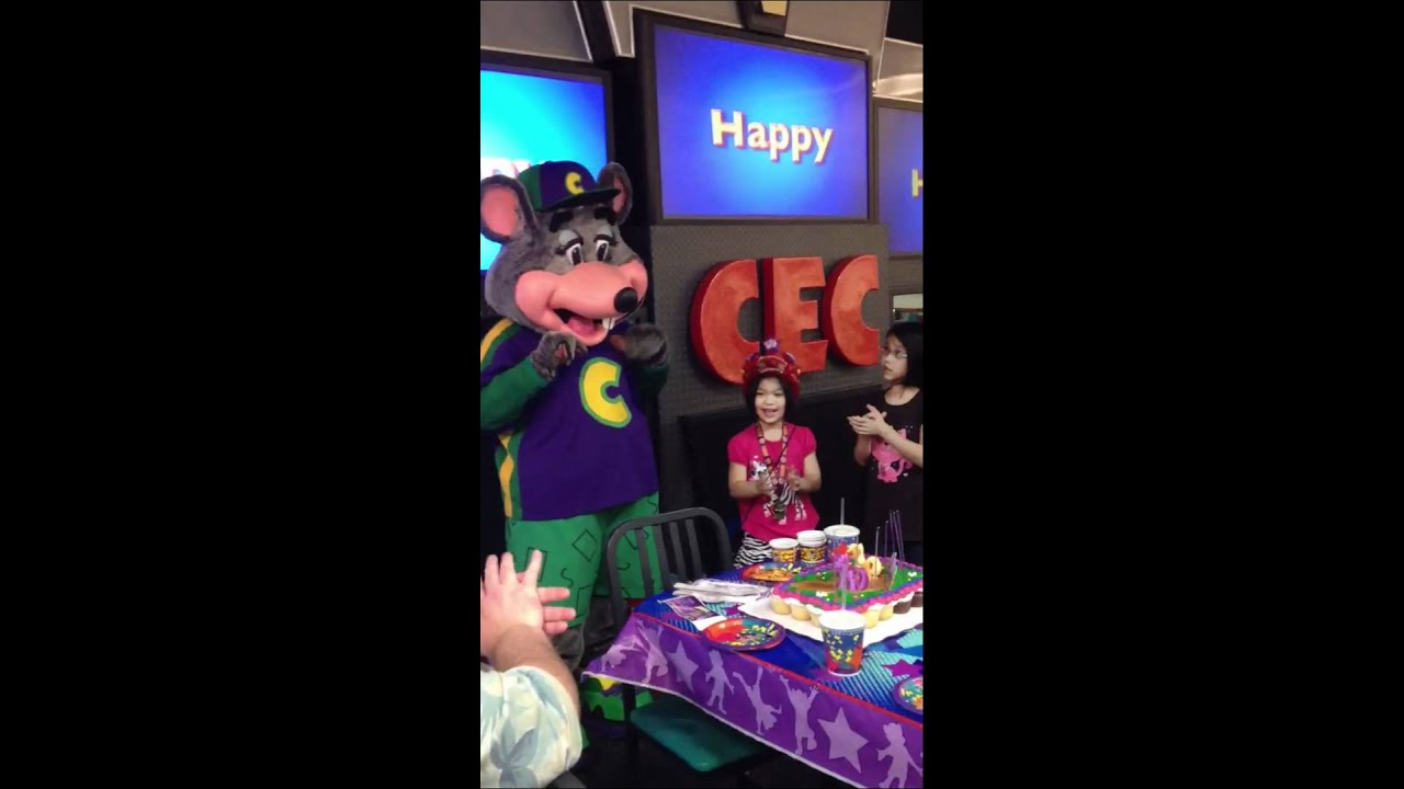 7 Year Old S Birthday Party At Chuck E Cheese S Youtube