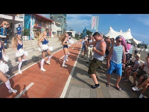 C Днем ВДВ: танец Sochi Queens поддержали десантники
