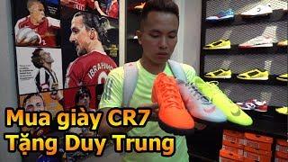 Thử Thách Bóng Đá Đỗ Kim Phúc đi mua giày của Ronaldo Juventus tặng cho Quang Hải Nhí Duy Trung