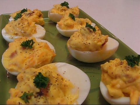 Betty's Bacon and Cheddar Stuffed Eggs  �