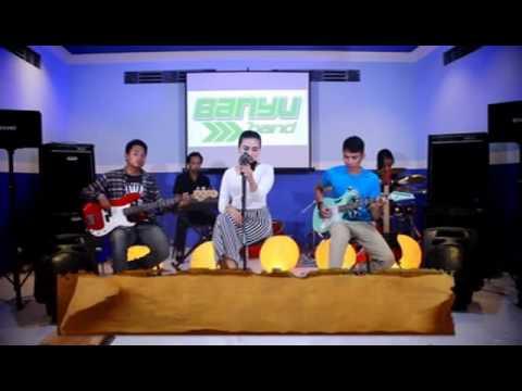 Iis Famelia_Ngerandu Kangen (Banyu Band)