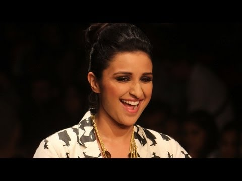 LFW 2013 Summer Resort Wear: Parineeti Chopra Dazzles On The Ramp