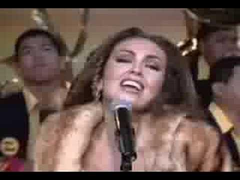 Thalia - Piel Morena Con Banda (Al Fin de Semana)