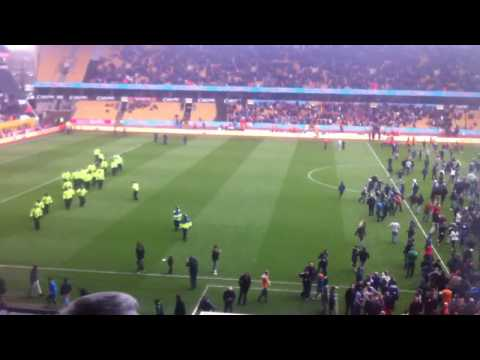 Wolves Vs Burnley Pitch Invasion