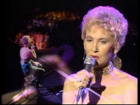 Tammy Wynette - Still Around