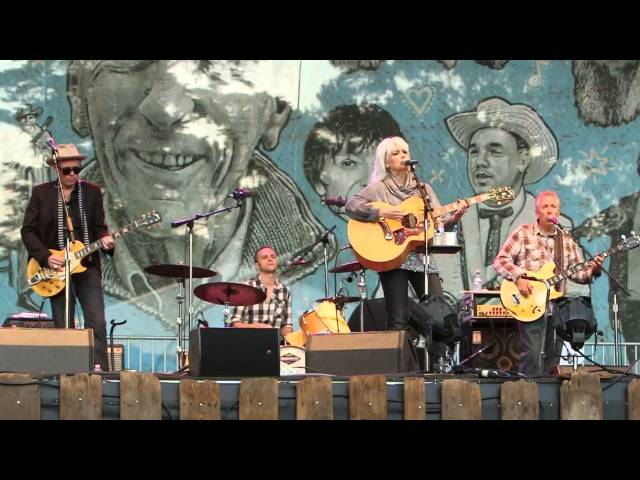 Sweet Old World - Emmylou Harris - 2014 Hardly Strictly Bluegrass
