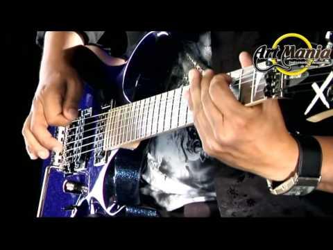 Vidéo Cort X Custom ultra glitter blue