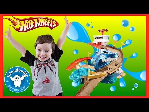 Hot Wheels Color Shifters Sharkport Showdown Trackset Bubble-Matic Car Wash Marvel Cars