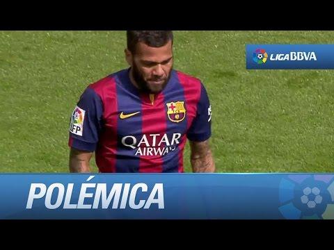 Polémica: penalti y expulsión de Dani Alves