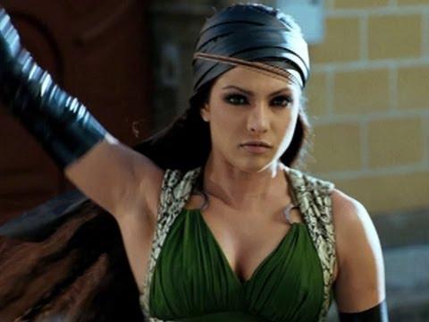 Priyanka Chopra Shows Her Action Side | Drona