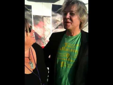 Sandy Shore interviews Jeff Golub at Seabreeze Jazz Fest 2011.MOV