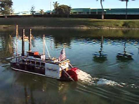 RC paddle wheeler VIRGINIA.avi
