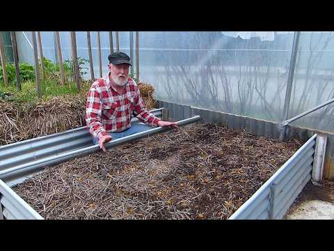 SAFE and LOW COST raised garden beds