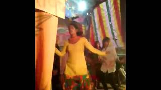 DANCING HOTE GIRLS ON THE STAGE (ARUN BAWLA YADAV) sex xxx