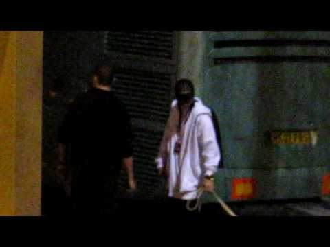 14.04.10 Paris – Tom + Bill leaving arena