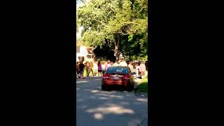 Crazy fight on 5th Ave in Terre Haute.
