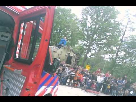 Open Dag Combigebouw brandweer en wijkteams Son en Breugel 2013 , met een helmcam gefilmd.
