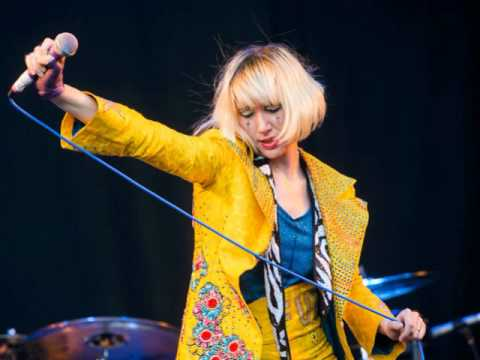 Yeah Yeah Yeahs - Subway