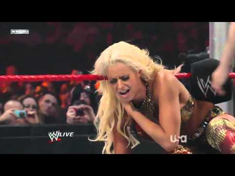 WWE Raw 2/22/10 (Divas Championship) - Maryse vs Gail Kim (HD)