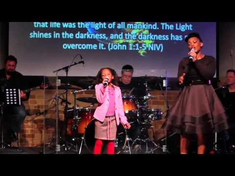 Mum & Daughter Singing