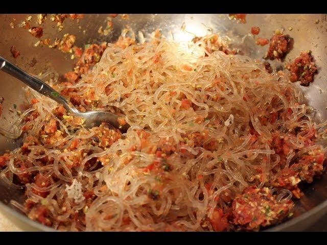 Living Spaghetti Marinara - Blythe Raw Live