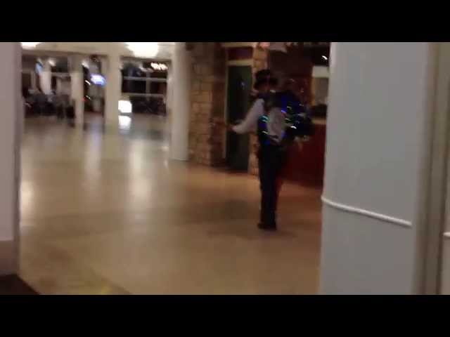Seattle Airport One Man Band at Christmas Time 2014