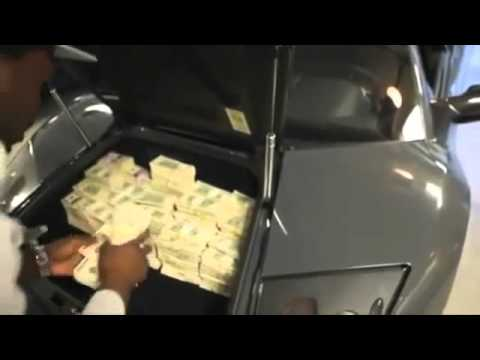 Rapper 50 Cent Stuffs $2Million Cash In  Lamborghini Murcielago Trunk.-Via: Stoolie.tv
