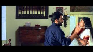 Nanthanam - Prithviraj shows love & concern for Navya Nair