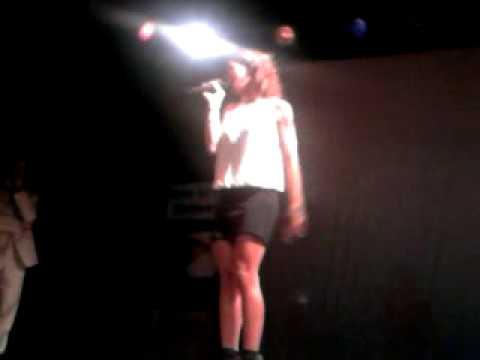 Annalisa Minetti – Mordimi (Live @ Teatro Viganò Roma – Meeting Born to Fly)