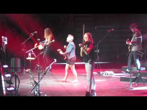 She's Gone Country: Dixie Chicks Live - Hamilton, On - 2013 video