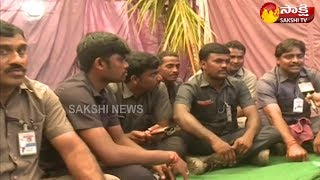 YS Jaganand#39;s Praja Sankalpa Yatra | Personal Security Guards Face to Face - Watch Exclusive