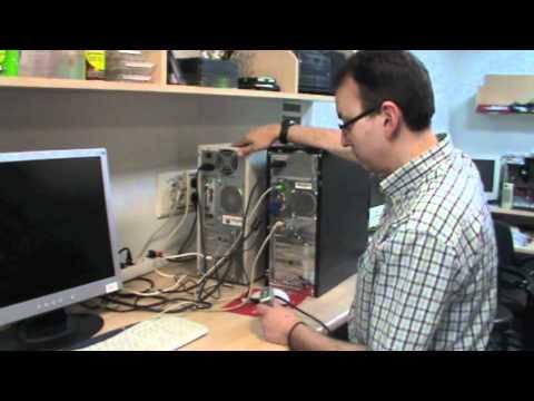 Cómo conectar dos ordenadores a un monitor con un KVM