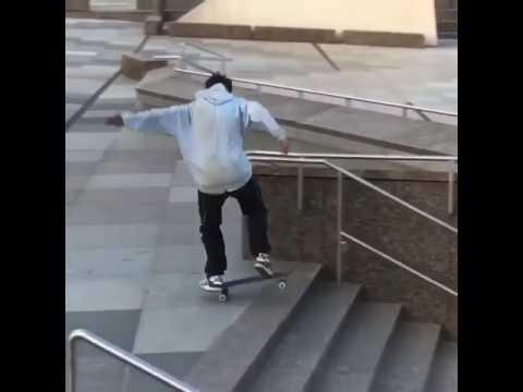Perfect switch flip from @versace_germany 🏆 via @kellyhart | Shralpin Skateboarding