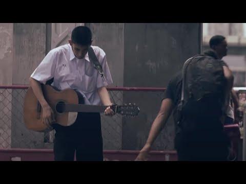 Đừng bao giờ coi thường những người chơi guitar rất tệ