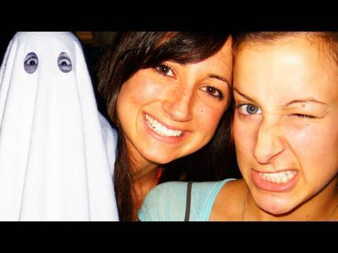 2 Girls 1 GHOST!!?! (2.5.10 - Day 281)