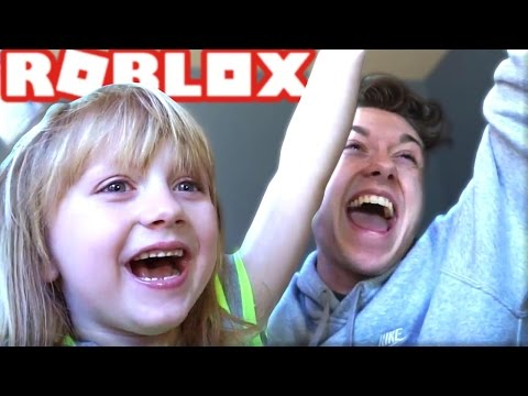 PLAYING ROBLOX WITH MY NIECE