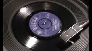 Watch Marianne Faithfull Blowin In The Wind video