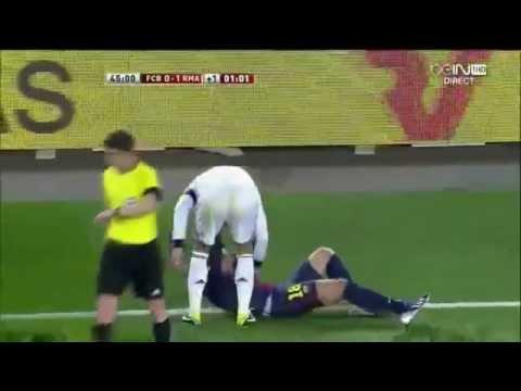 pepe vs Jordi Alba clash fight FC Barcelona vs Real Madrid 26 02 2013 HD